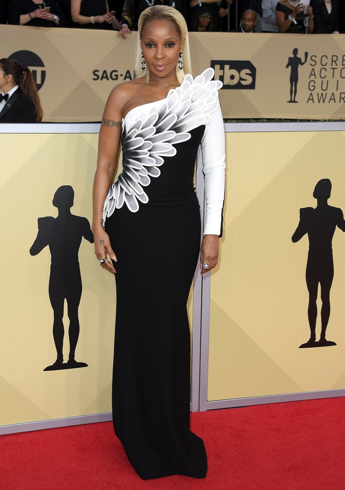 Mary J. Blige  All the Glitz and Glamour From the 2018 SAG Awards Red Carpet Mary J Blige 2018 SAG Awards