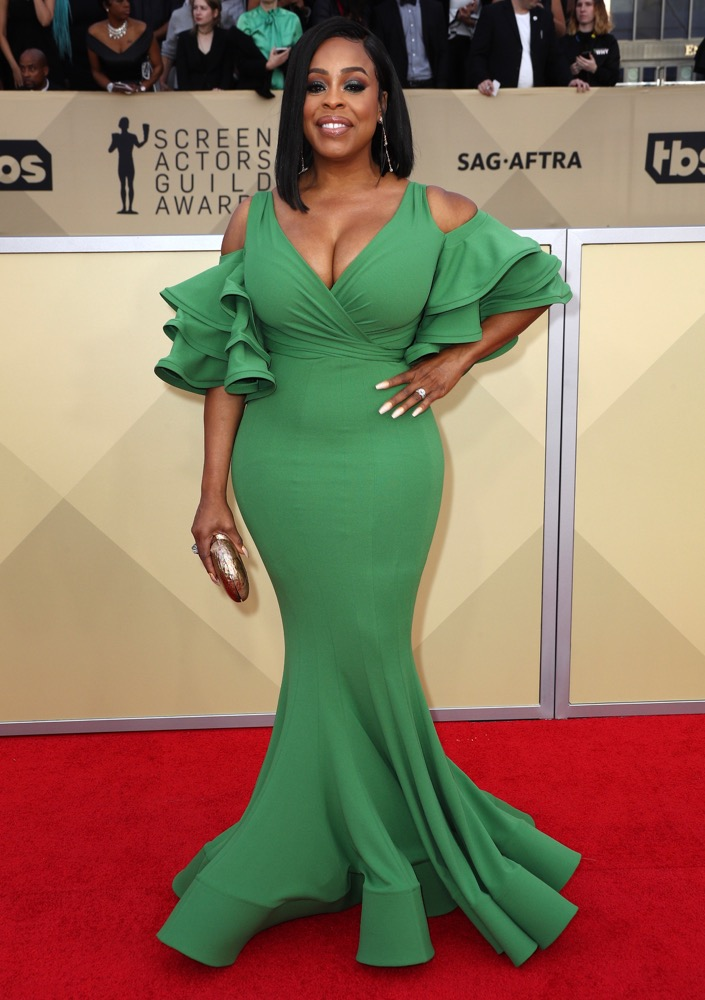 Niecy Nash  All the Glitz and Glamour From the 2018 SAG Awards Red Carpet Niecey Nash 2018 SAG Awards