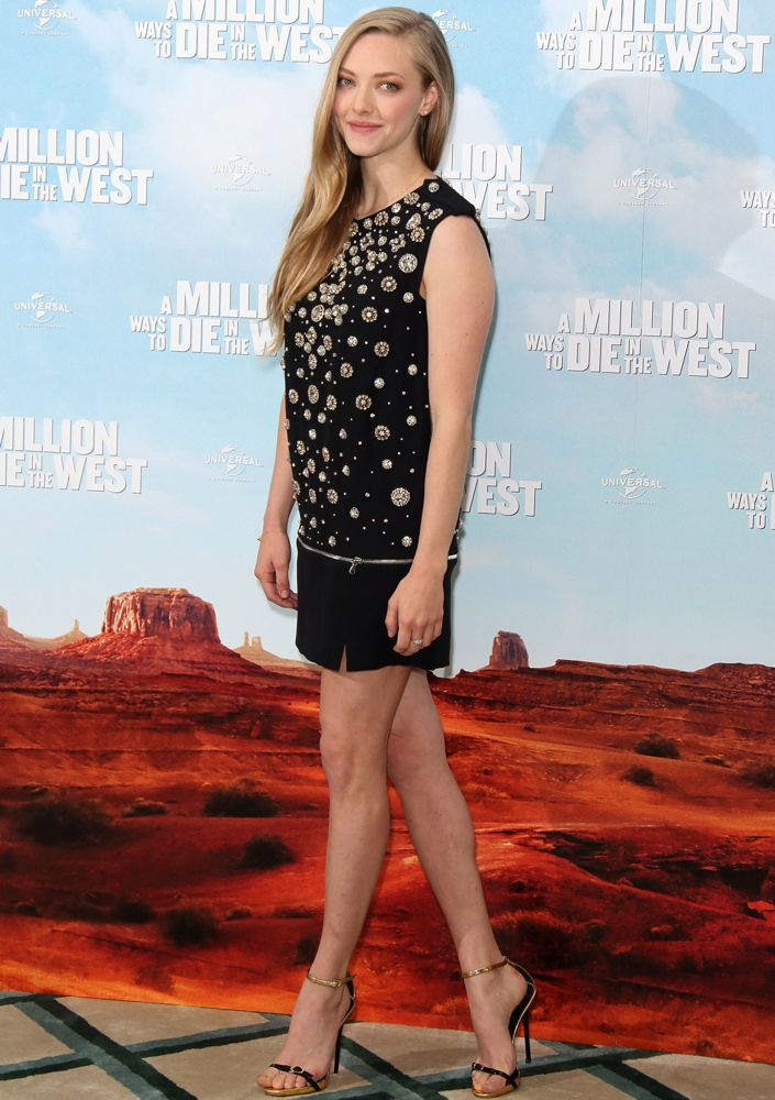 Amanda Seyfried at the London Photocall for A Million Ways to Die in the West