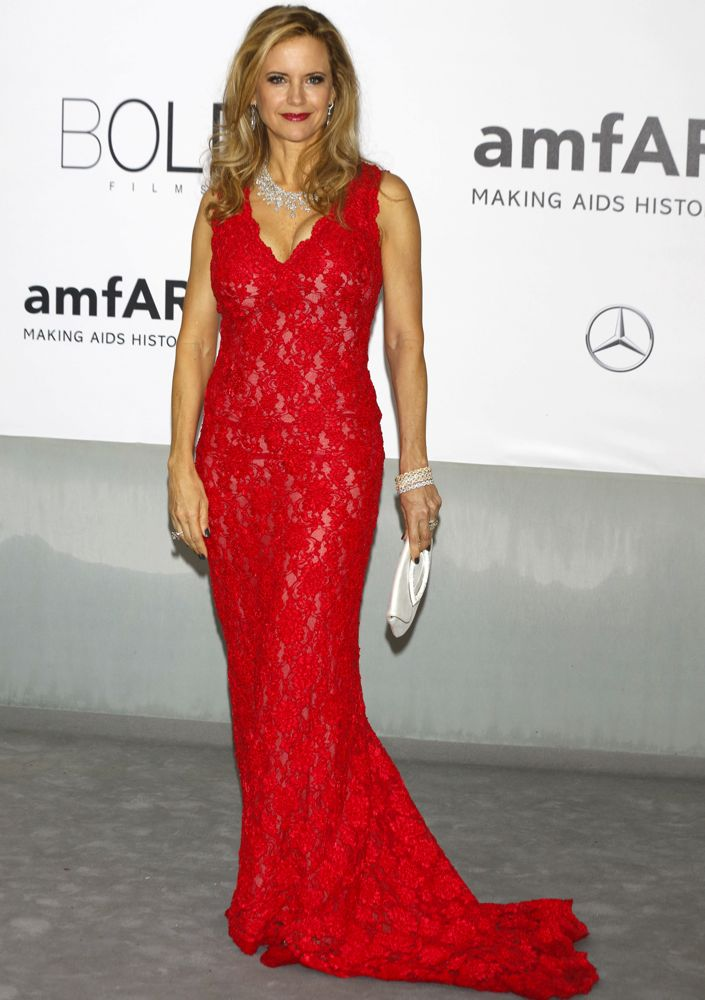 http://cdn2-www.thefashionspot.com/assets/uploads/gallery/cannes-amfar-2014/kelly-preston-67th-cannes-international-film-festival-amfar-21st-annual-cinema-against-aids-gala.jpg