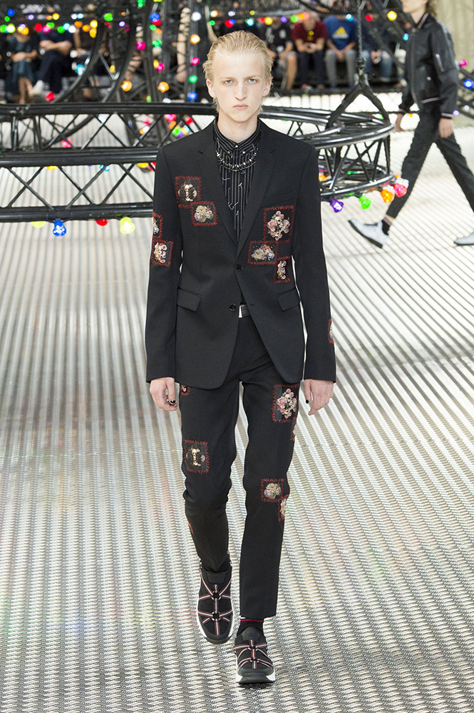 Fashion trends 2017 spring - Dior Homme Spring 2017 Runway Thefashionspot