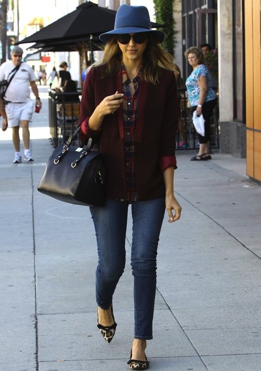 Mix Master Jessica Alba: Family Gathering