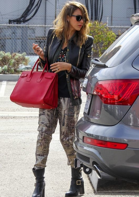 Mix Master Jessica Alba: Shopping Excursion