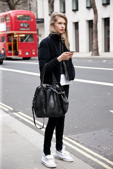An easy all-black LFW street look