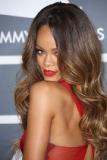 Rihanna's Grammy Makeup