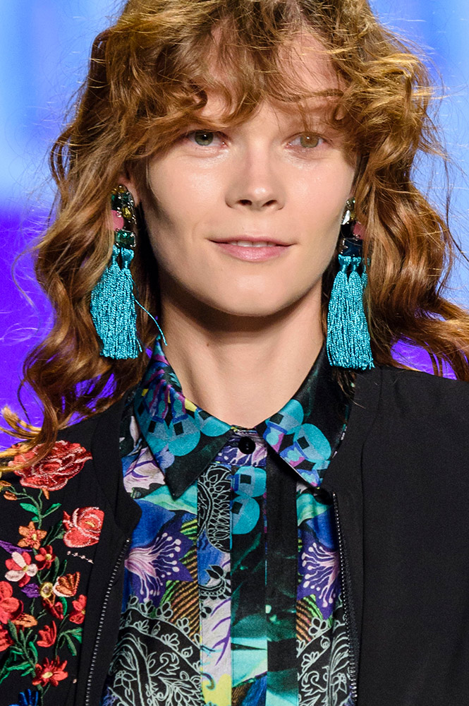 Swap: Tassel Earrings  9 Easy Style Swaps to Update Your Look for 2018 desigual bjx s17 003