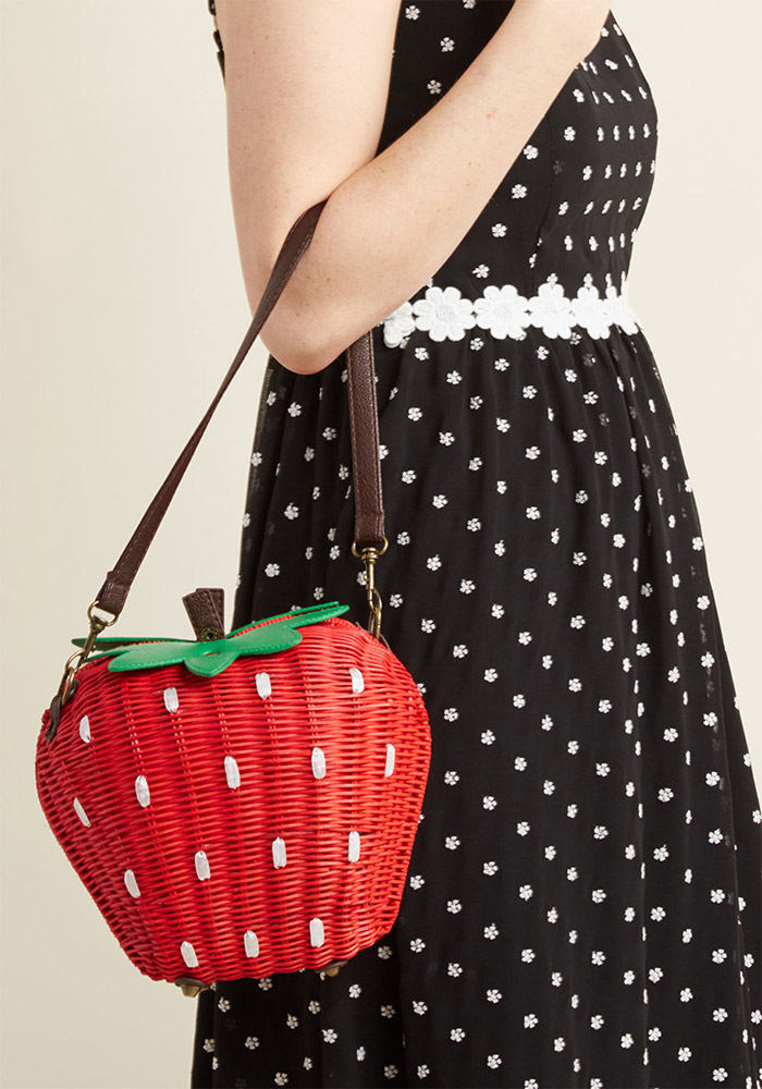 Collectif  Raffia and Straw Basket Bags Are the Surprising City Essential for Spring 2018 collectif results may berry crossbody bag