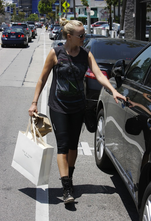 Malin Akerman's To-Go Knot
