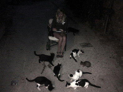 Kirsten Dunst is a Cat Lady