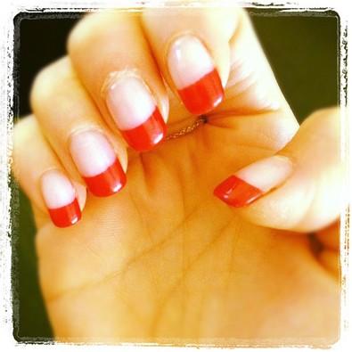 Jennifer Morrison's Tylenol Nails