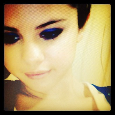 Selena Gomez Has a Blue Eyeshadow Day