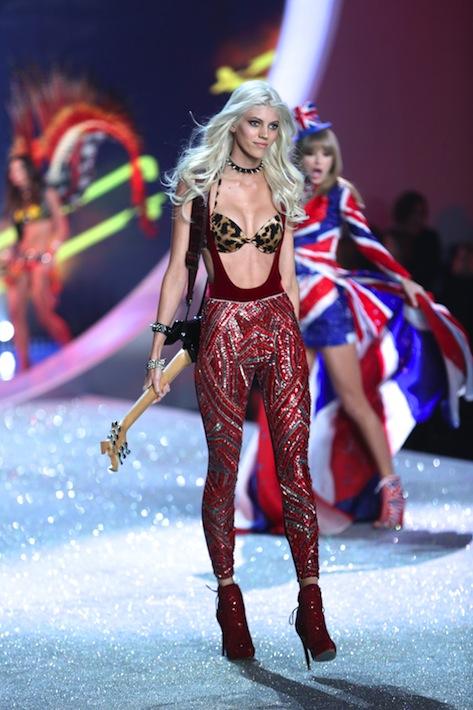 Trendsetter (as modeled by Devon Windsor)
