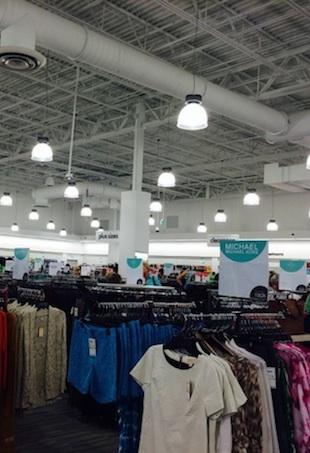 37becf428 Blogger Modern Day Moms Shops Nordstrom Rack