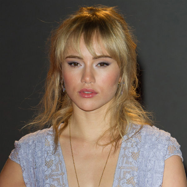 Suki Waterhouse Blotw on Mineral Makeup