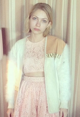 Tavi Gevinson poses on Instagram