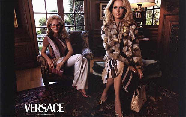 Versace Fall 2000 : Amber Valletta & Georgina Grenville by Steven Meisel