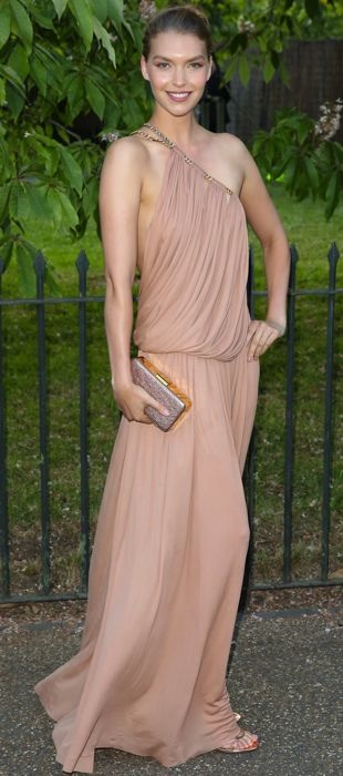 Arizona Muse attends the Serpentine Gallery Summer Party in Emilio Pucci