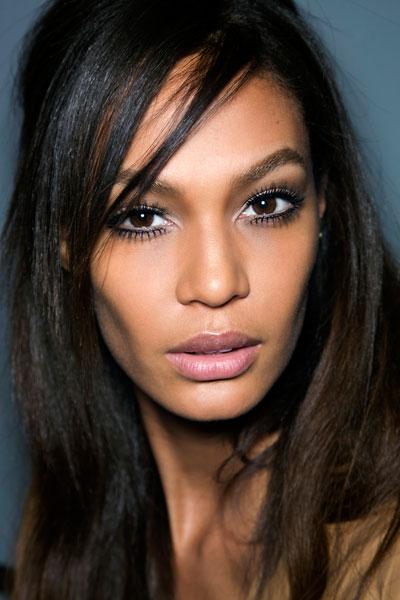 model wearing fake lashes
