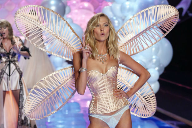 53e7b333db5 Karlie Kloss Turns in Her Victoria s Secret Angel Wings - theFashionSpot