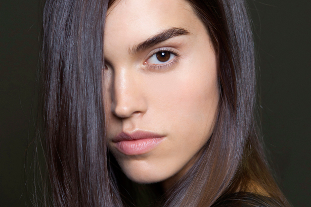 model with nice eyebrows