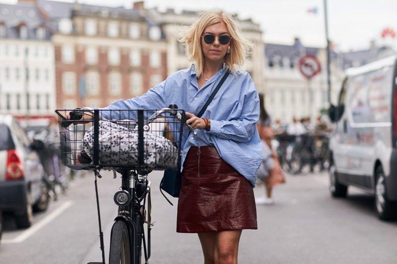 Vinyl skirt, street style pic