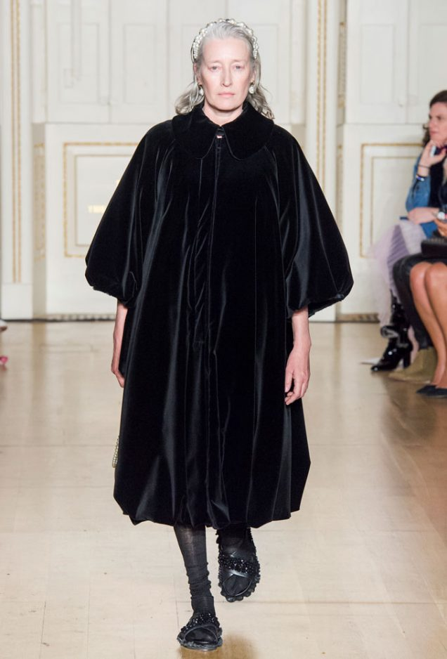 Marie-Sophie Wilson-Carr on the Simone Rocha Fall 2019 runway.