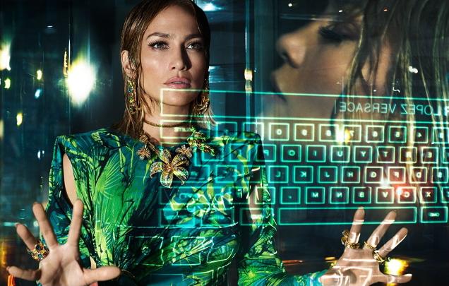 Versace S/S 2020 : Jennifer Lopez & Kendall Jenner by Mert Alas & Marcus Piggott
