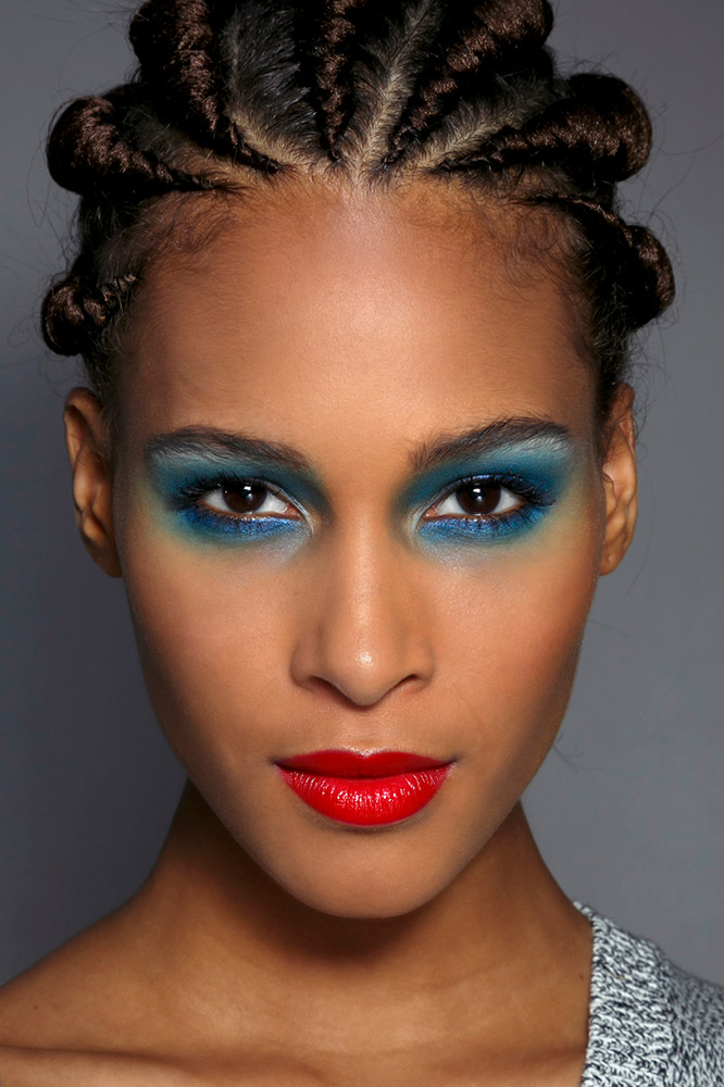 19 Unique Ways To Wear Red Lipstick This Holiday Season Thefashionspot