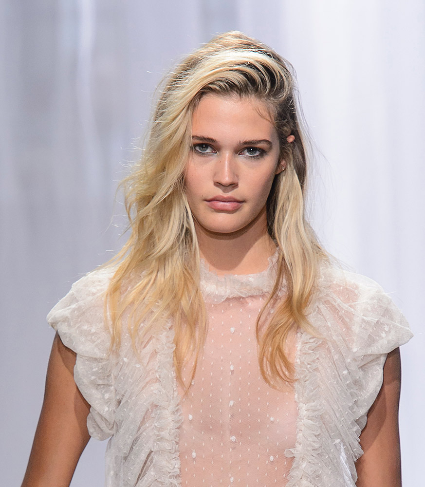 90s hairstyles are back, according to the spring 2018 runways