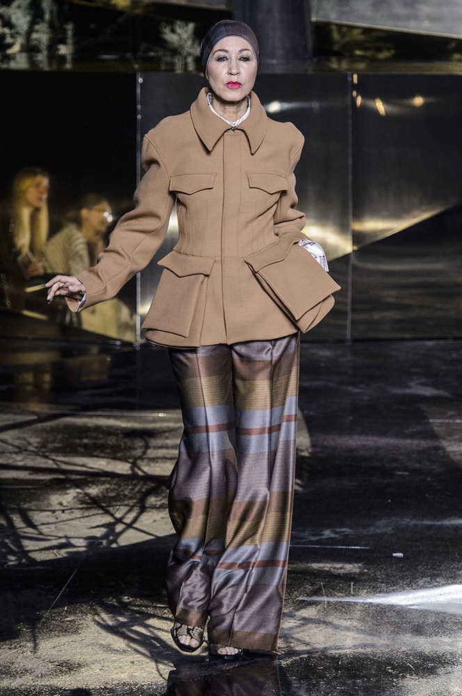 3d957f58776 Diversity Rules at H M Studio Fall 2016 Runway in Paris - theFashionSpot
