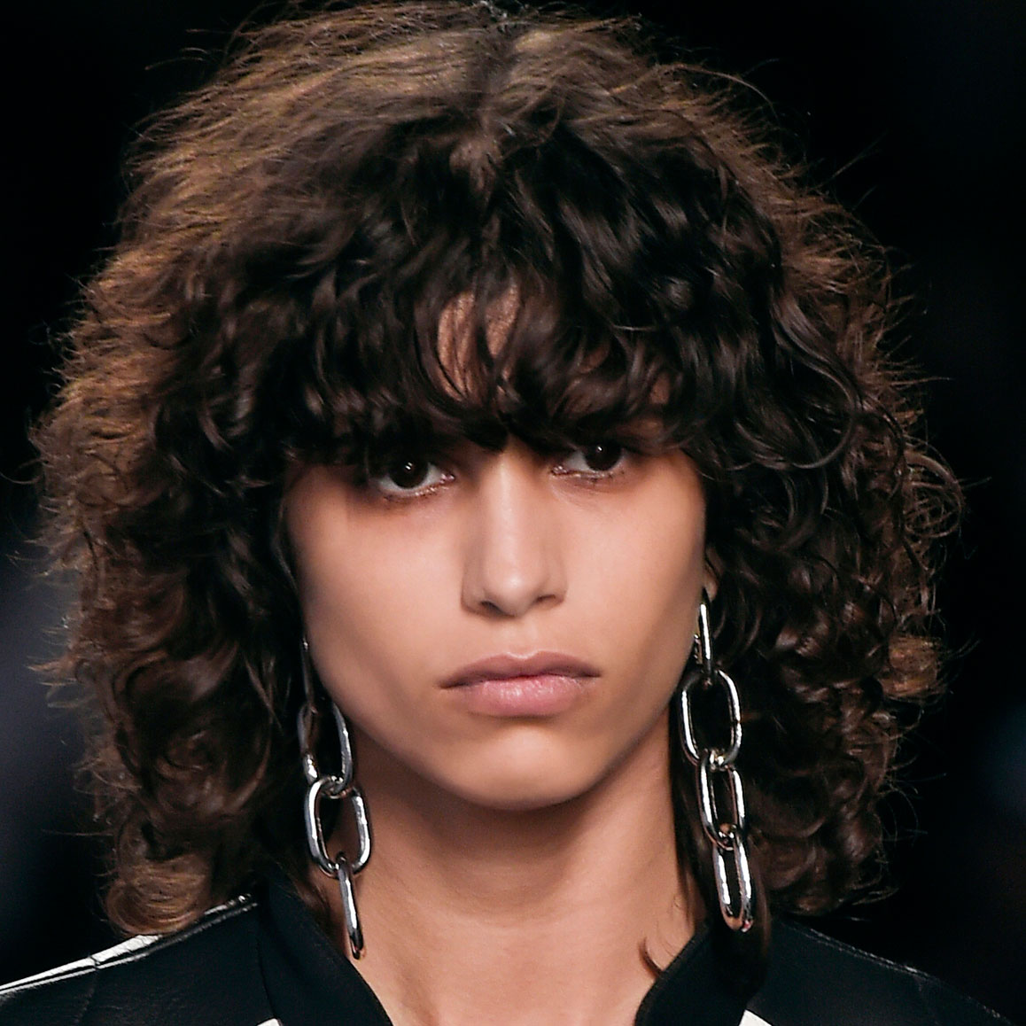 How To Wear The New Curly Bangs Trend Thefashionspot