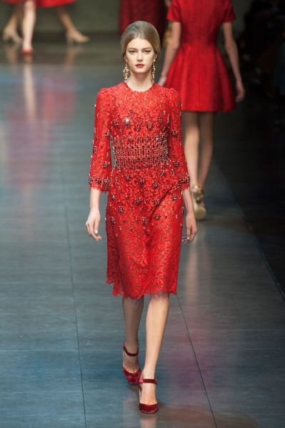 Dolce   Gabbana Fall 2013 Runway Review - theFashionSpot 262d227138a9f