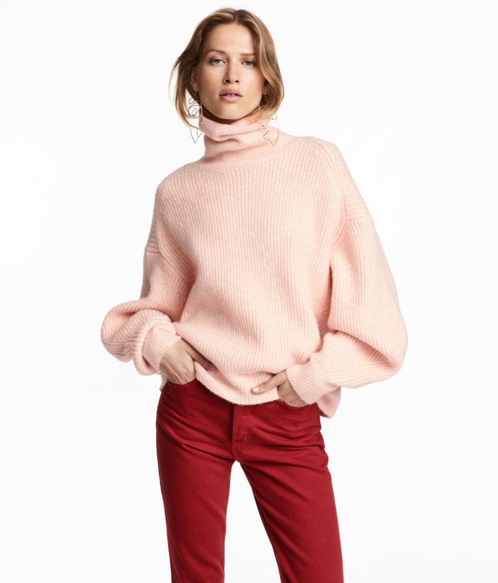 f4bae776b5 Super-Oversized Sweaters Are This Season s Biggest Trend ...