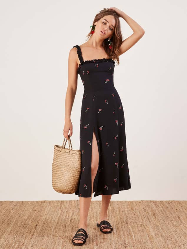 5587ca94b9f8 20 Totally Stylish Dresses for Short Girls - theFashionSpot