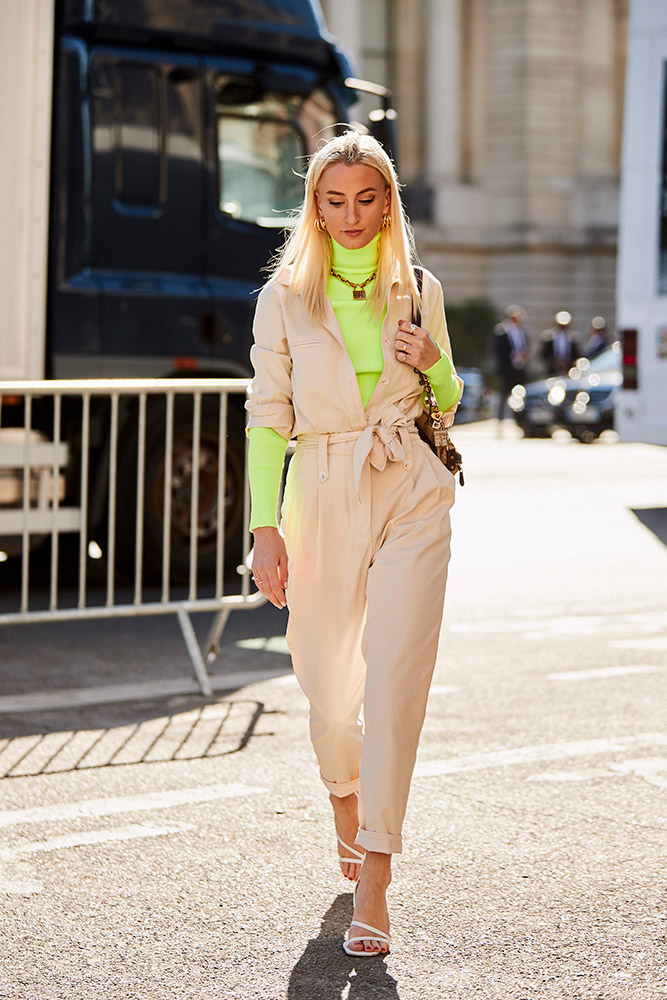 2b3f59f3bd37 The One Element to Add to Your Trusty Neutral Uniform for Instant Style