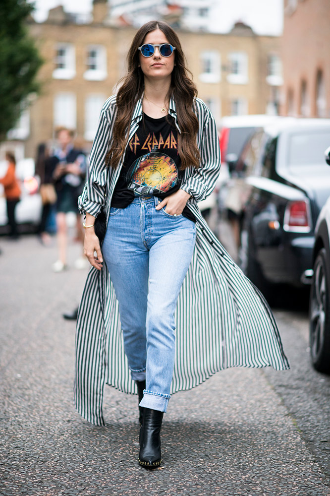 cd82631f1b Ways to Style Your Vintage T-Shirts That Aren t Worn Out ...